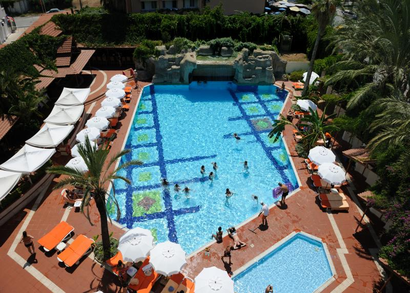Elegance Hotel / Elegance Hotel