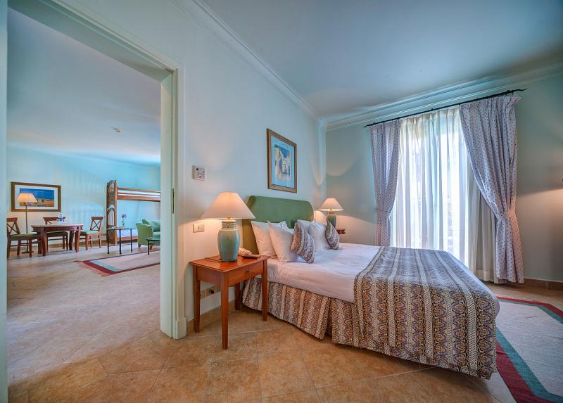 Bellevue Beach Hotel / Bellevue Beach Hotel